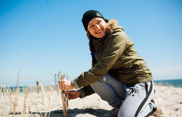 Dune Grass Planting w/ Surfrider